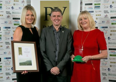 2015 winners Customer Friendly Business 6 Winner Paint Pot (left) Claire Tierney